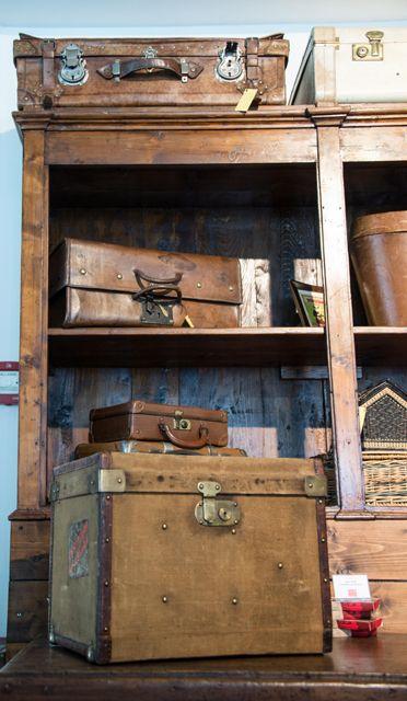 Buy original vintage travel items at Museo Nicolis shop.