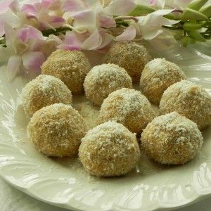 2 Protein Ball Recipes for Busy Women – Zesty Lemon and Dark Chocolate
