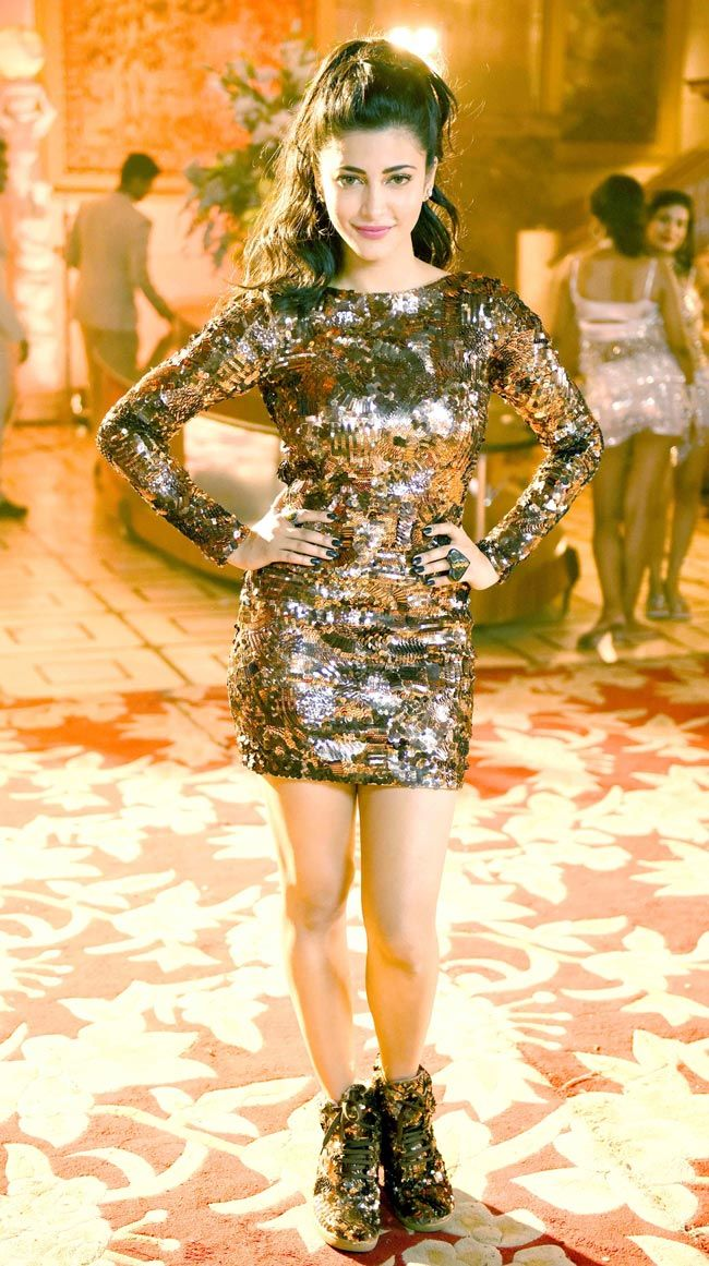 Shruti Haasan at the shoot for 'Welcome Back' song.
