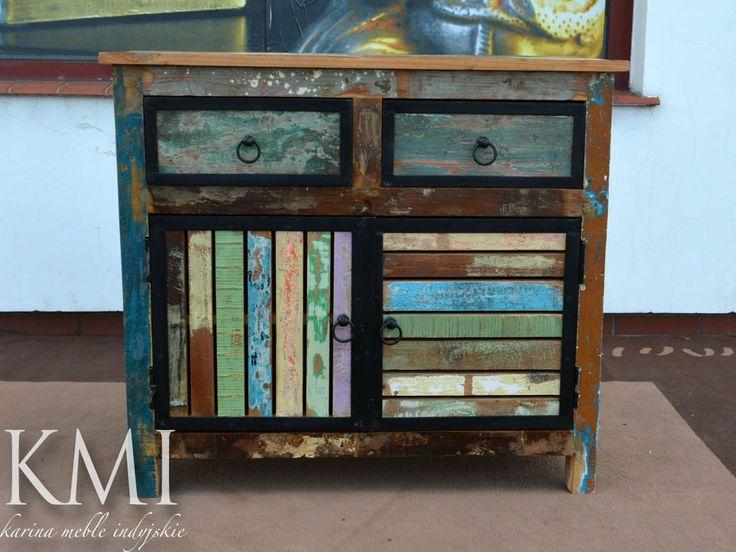 """komoda """"Loft Colors""""   Przecierane meble z widocznymi wieloma warstwami farby to najnowszy trend we wnętrzarstwie . Kolejne warstwy farby pokazują upływ czasu w meblach wykonany z egzotycznego drewna pochodzącego z odzysku. Komoda pięknie zaprezentuje sie w stylowym salonie jak i w otwartej, loftowej przestrzeni."""