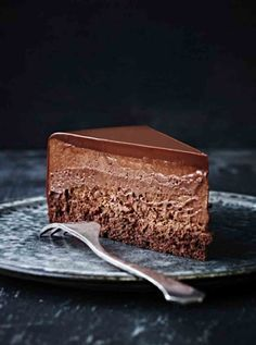 Flourless Chocolate Mouse Cake #delicious #recipe #cake #desserts #dessertrecipes #yummy #delicious #food #sweet