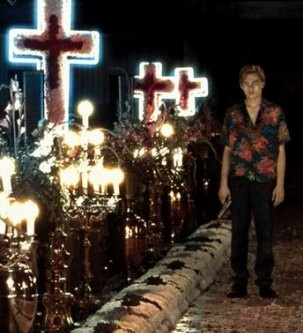"""Romeo sees Juliet """"dead"""" on the altar (in her tomb) [Luhrmann version]."""