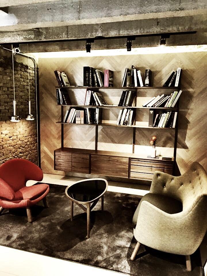dk3_design_furniturePoul Cadovius and Finn Juhl united in South Korea @boe_life_and_furniture_shop  #dk3 #royalsystem #1948 #poulcadovius #finnjuhl #madeindenmark #southkorea #seoul #boe www.dk3.dk