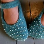 30+ Free Slipper Patterns: {Knit, Crochet, Sewing}  I really like the felt ballet house shoes with seed beads.  Adorable!