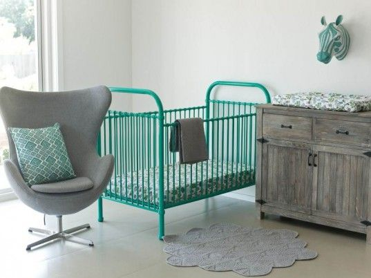 metal baby crib - soo cute but I think I would want a convertable