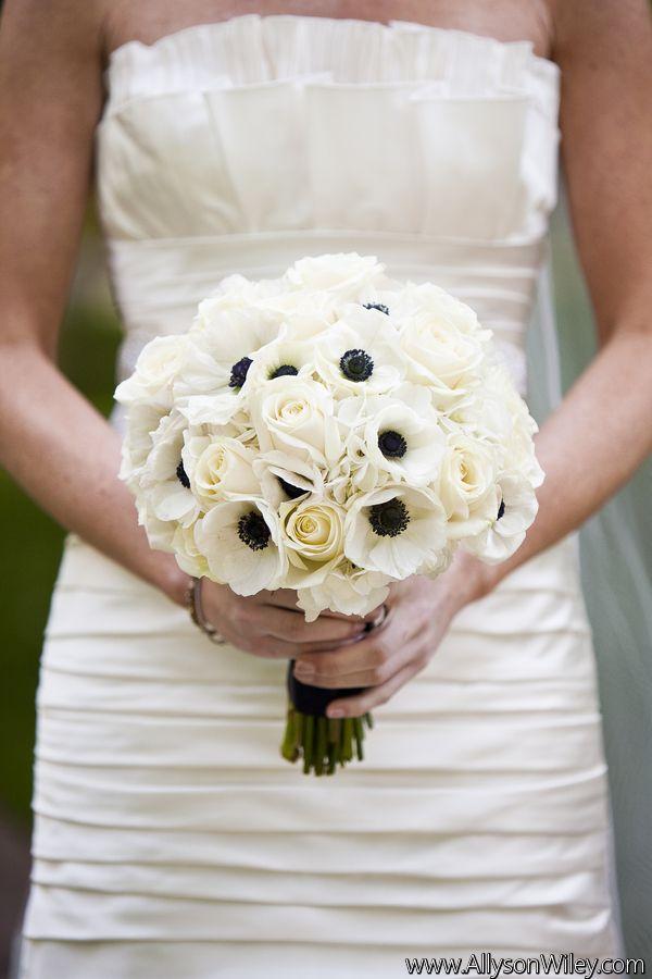 17 Best Ideas About White Rose Bouquet On Pinterest