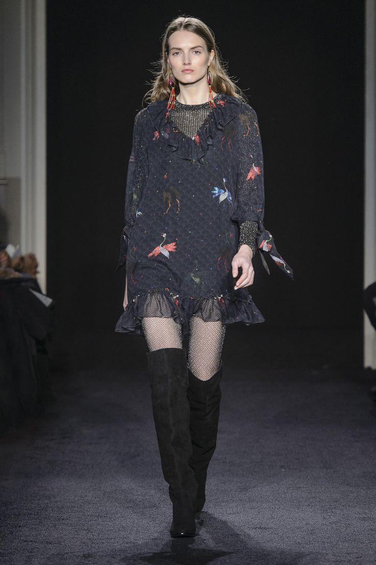 Défilé Kristina Ti Automne-hiver 2017-2018 Prêt-à-porter -...