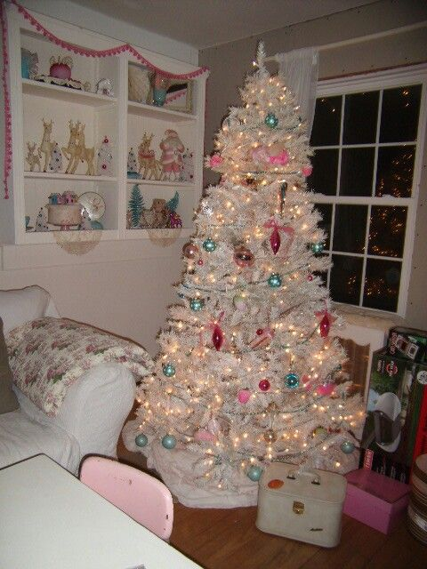 Shabby Chic Christmas Trees A Collection Of Ideas To