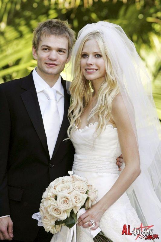 Avril Lavigne S Wedding Photo