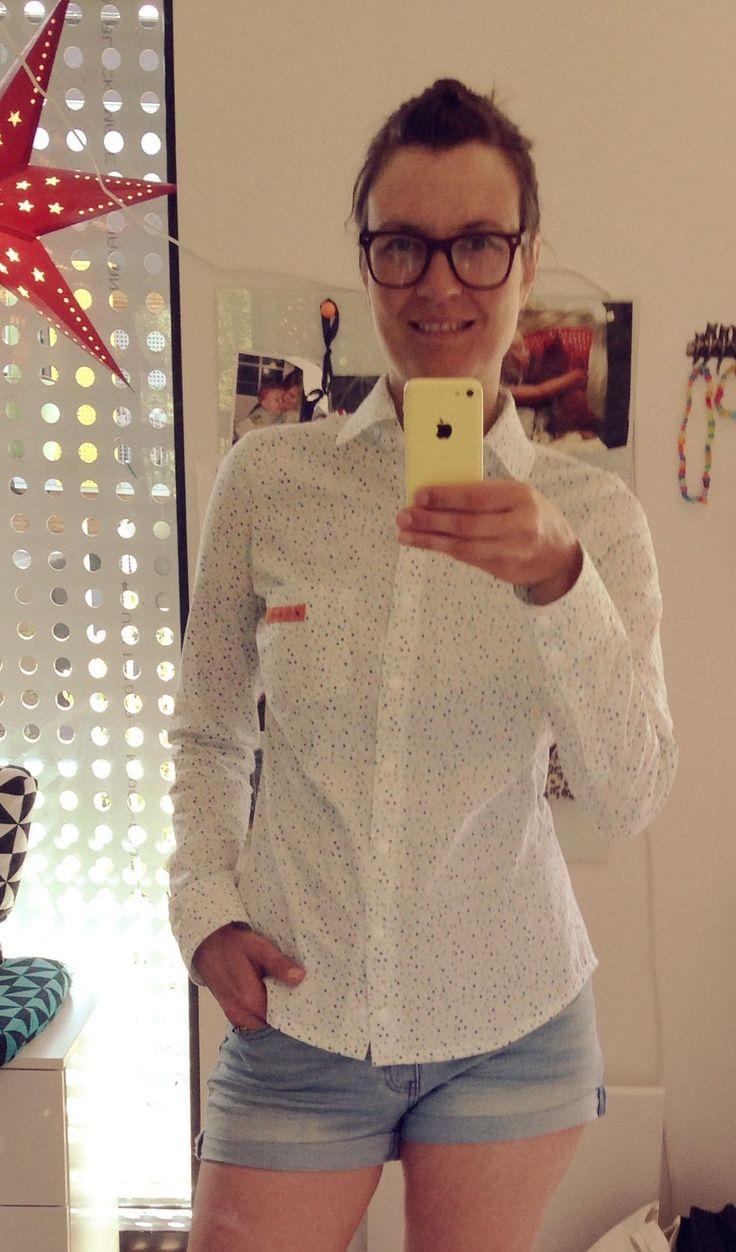 Granville shirt, Pattern by sewaholic.   Minor changes (swayback, FBA, sleeve 1 inch longer).