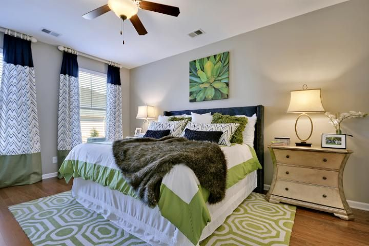 Are you KEEN on the use of GREEN in this master suite?