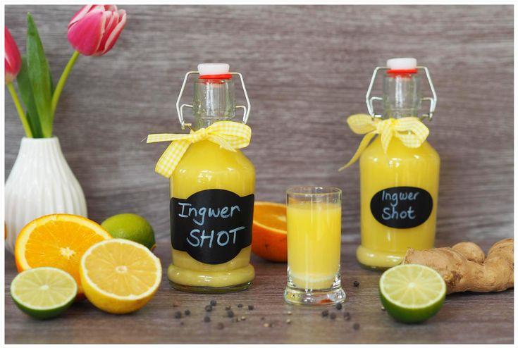 Der Ingwer-Shot ist die Steigerung meines Zitronen-Ingwer-Boosters. Jetzt gibt es Vitamin-C hochdosiert. Scharf, gesund und einfach lecker!