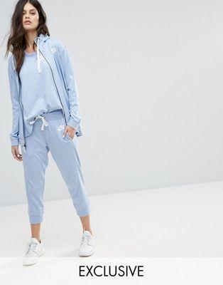 Pantalones de chándal capri clásicos para gimnasio en azul exclusivos para ASOS de Nike