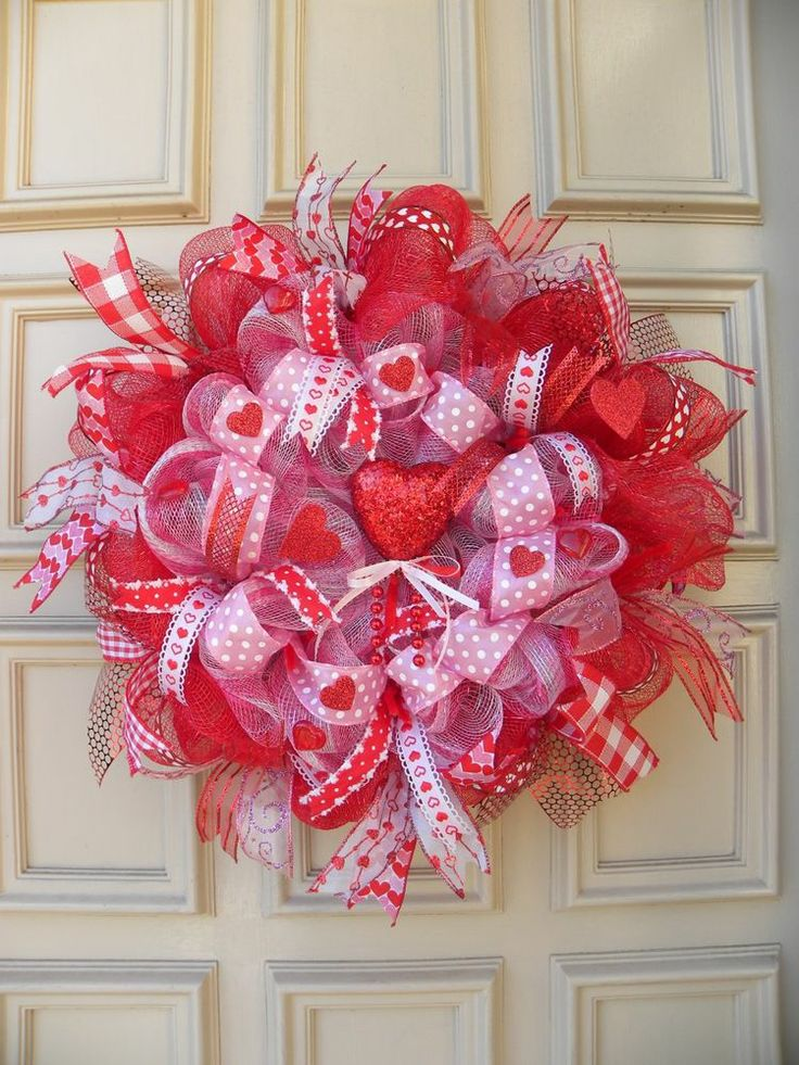 Valentine's Day Deco Mesh Wreath - Door - Decoration - Hearts - Wall Decor