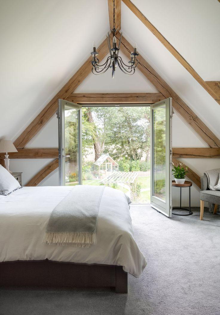Best Willow Cottage 191 Border Oak Attic Master Bedroom 400 x 300