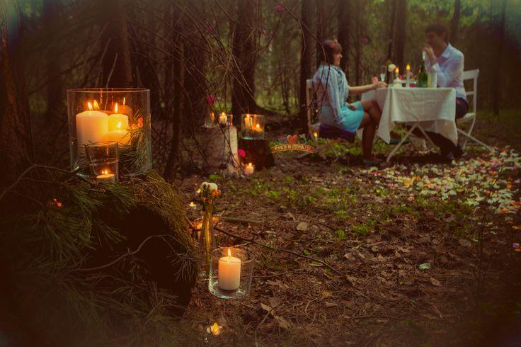 """Пикник в лесу. Необычное свидание. Взгляд """"из куста"""". Хоть нашего организатора и не видно, он всегда где-то рядом/ Romantic picnic #rukaiserdce #рукаисердце #свидание #предложение #сюрприз #engagement #proposal #date #surprise"""
