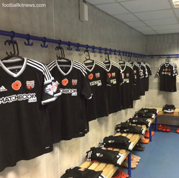 Brentford FC will wear a special third kit in their upcoming Championship clash against Blackburn Rovers. Made by Adidas, the new Brentford third shirt for 2015/16 will be black with grey and white…