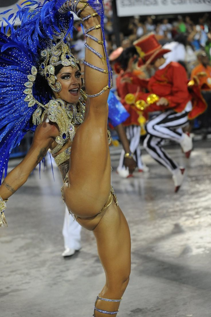 wild-nude-carnival-dancers-naked-mature-aussies