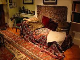 Setting della cura psicologica Il lettino della cura psicoanalitica utilizzato da Herr Sigmund Freud