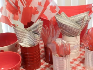 Savvy Suburban Mama: Canada Day Party - Decorating for the Red and White
