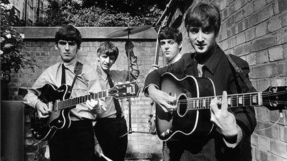 Contrato de grabación que firmó The Beatles se subastará.