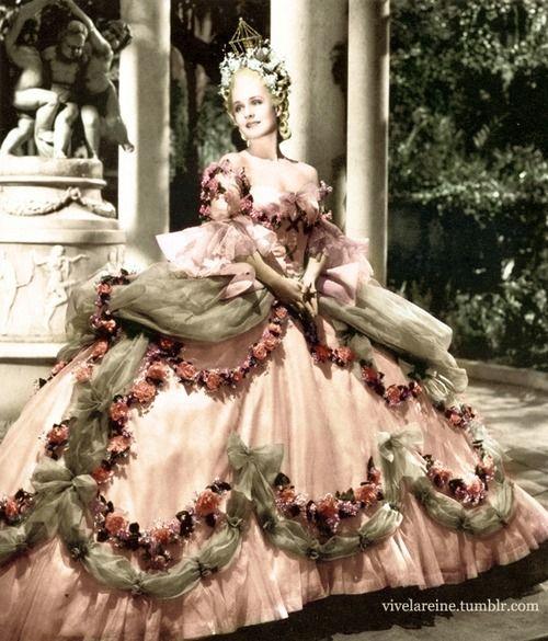 Marie Antoinette (1938)  Colourized photograph, unknown if colours match original garment