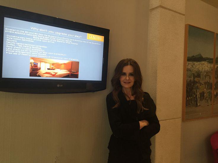 H γνωστή ηθοποιός Κάτια Δανδουλάκη φωτογραφίζεται για τις ανάγκες του περιοδικού YouWeekly.gr στην Πλάκα και στο Central Athens Hotel.
