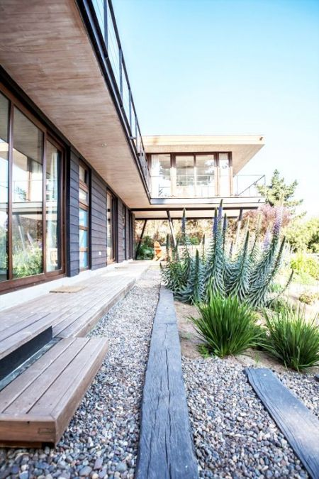 simple exterior and drought resistant landscaping