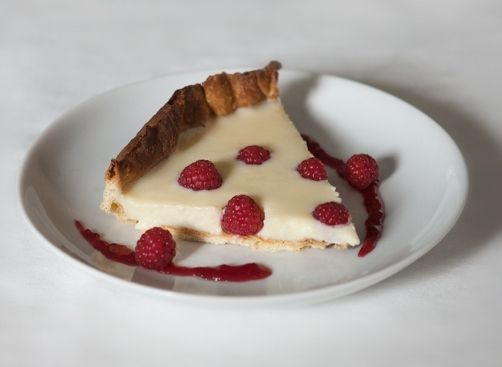 Tarta de chocolate blanco con frambuesas para #Mycook http://www.mycook.es/receta/tarta-de-chocolate-blanco-con-frambuesas/