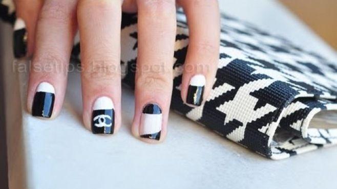 Siyah Beyaz Chanel Yarım Ay Manikür -