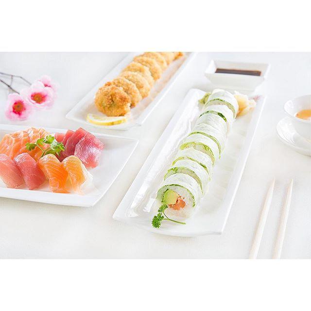 Shogun Sushi @ Levallois-Perret 🇯🇵 #sushi #rolls #sashimi #fresh #food #foodporn #paris  Yummery - best recipes. Follow Us! #foodporn