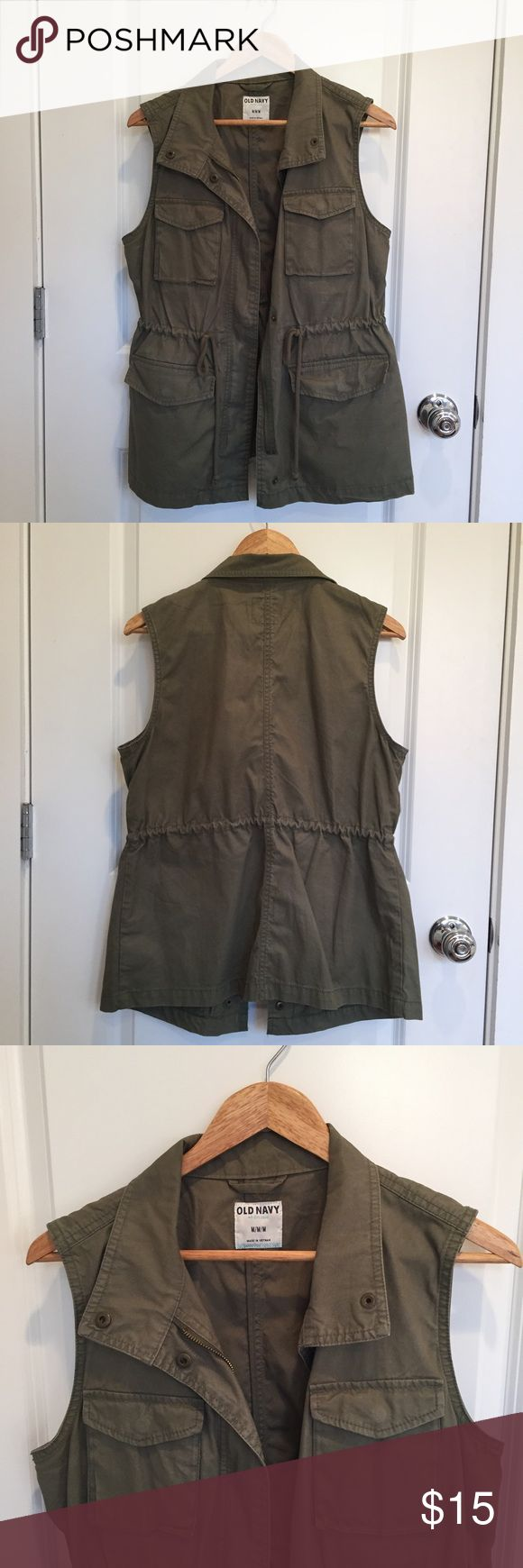 Old Navy Cargo Vest In great condition! Old Navy Jackets & Coats Vests