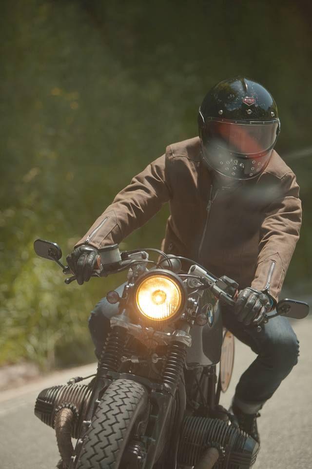 fabforgottennobility: Boxer Bmw Ruby Helmet