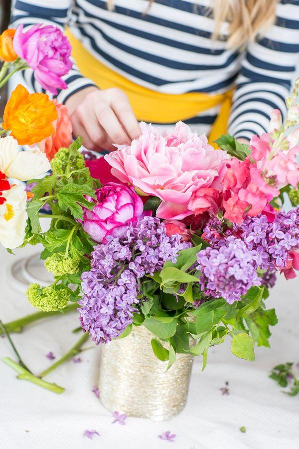 30 Easy Floral Arrangement Ideas - Creative DIY Flower ...
