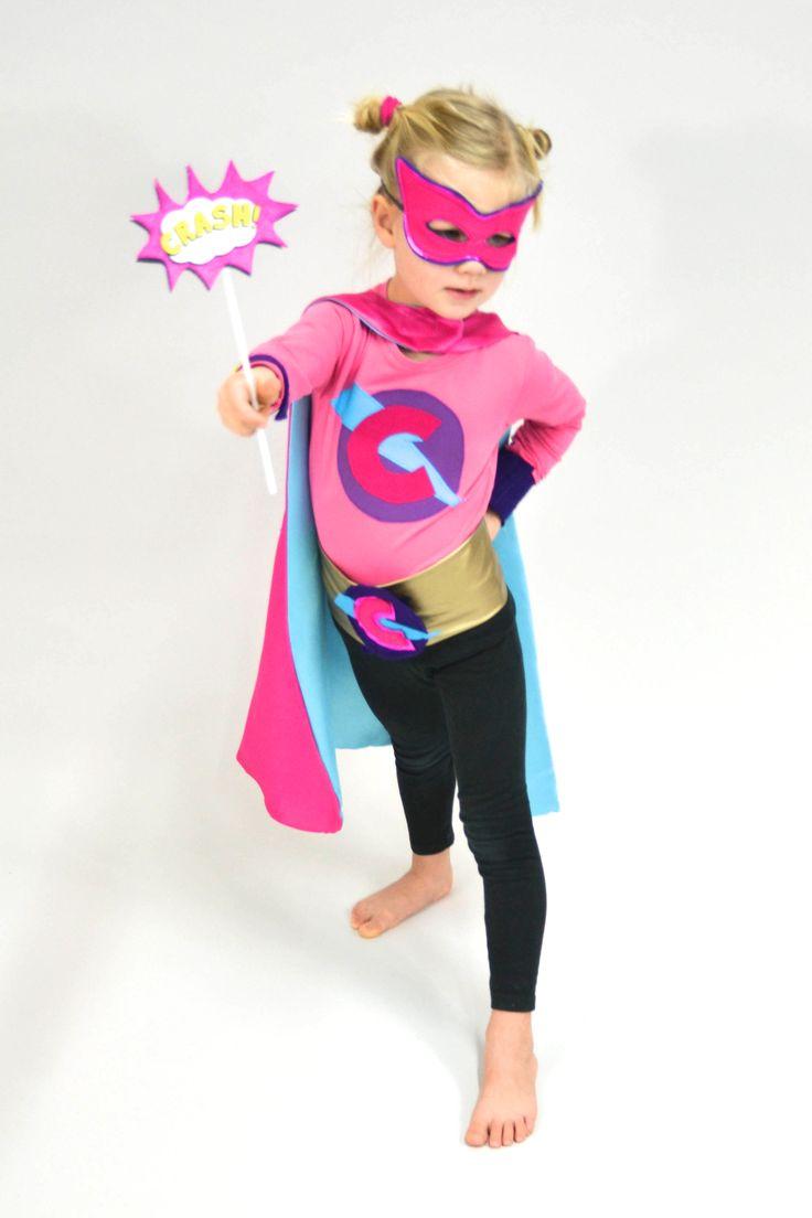 Kapow! Anleitung und Schnittmuster für echte SuperheldInnen via Makerist.de