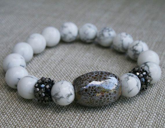 howlite bracelet, gemstone ceramic bracelet, white cuff bracelet, beaded seed bead beadwork art, bracelet for her, seed bead jewelry