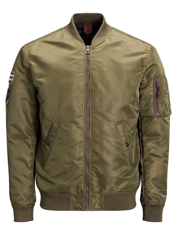 Vintage aviator jacket, bomber style with classic patches and pocket details, with inner pockets for valuables. Available in black and olive green | JACK & JONES #vintage #style #men