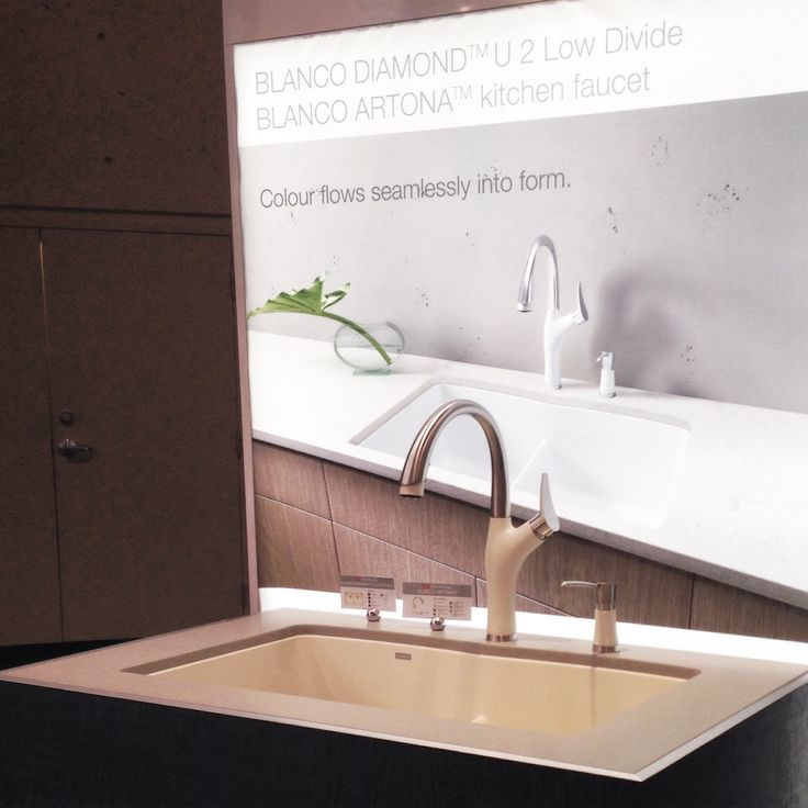 Featuring our BLANCO DIAMOND™ U 2 LOW DIVIDE in Biscuit, BLANCO ARTONA™ faucet in Stainless Finish/Biscuit, BLANCO ARTONA™ Soap Dispenser in Stainless Finish/Biscuit