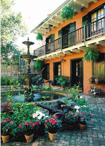 New Orleans French Quarter courtyard