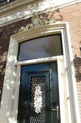 Kuif boven deur, Rottevalle, Fryslân (Trudi)