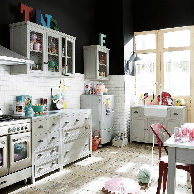 kitchen.. subway tile and black paint