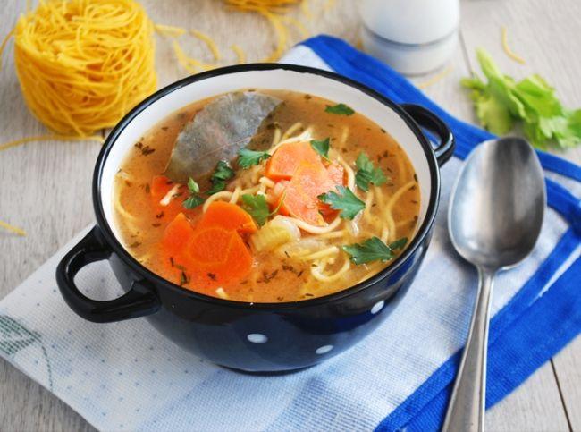 Традиционно супы всегда главенствуют на нашем обеденном  столе. Во время Великого поста они особенно актуальны. Мы  приготовили для вас семь удивительных постных супов, среди  которых вы обязательно найдете что-то на свой вкус! – читайте на Domashniy.ru