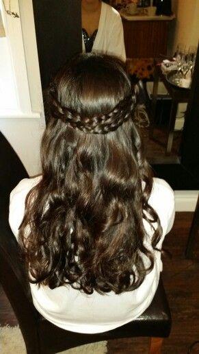 Bridesmaids hairstyling