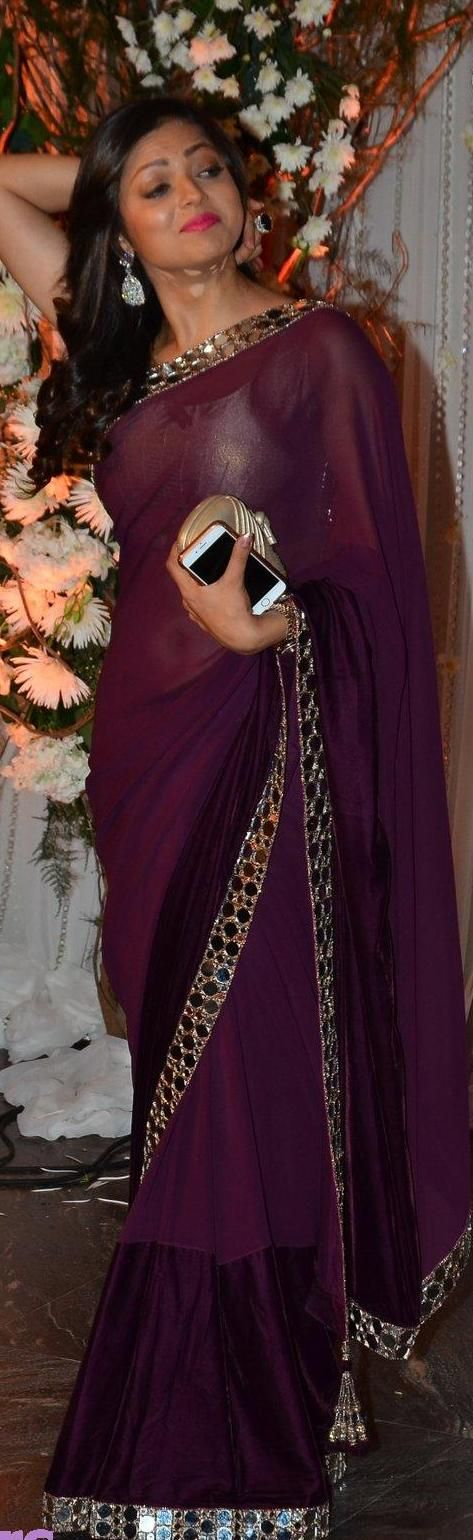 drashti-dhami in saree -at-bipasha-basu-and-karan-singh-grover-wedding-party ╰☆╮Six yard- The Saree ❤•。*゚•★╰☆╮