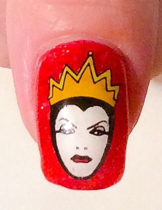 """""""Snow White & The Seven Dwarves"""" inspired Nail Art by """"Lorena Style""""."""