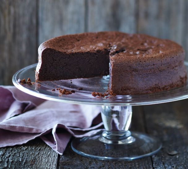 #RecipeOfTheWeek Brace yourself for the richest, darkest, most delicious #GlutenFree Chocolate Cake ever - I've just loaded the recipe to my website http://www.annabel-langbein.com/recipes/glutenfree-chocolate-cake/793/ Bake it for a gluten free friend and they'll love you for life!