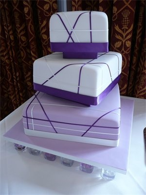Square Wedding Cakes Are Currently Getting Fashionable For Most Contemporary Bridessquare Gallery Can Possess Numerous Dissimilar Variants