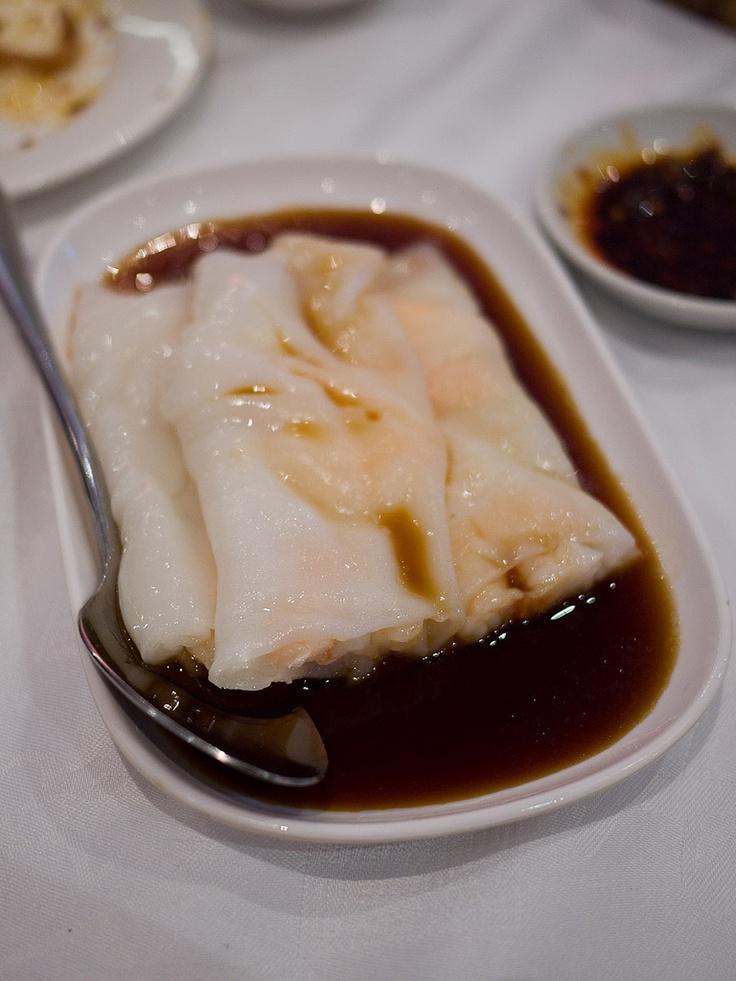 Har cheong. Rice roll with prawns (by The Food Pornographer)