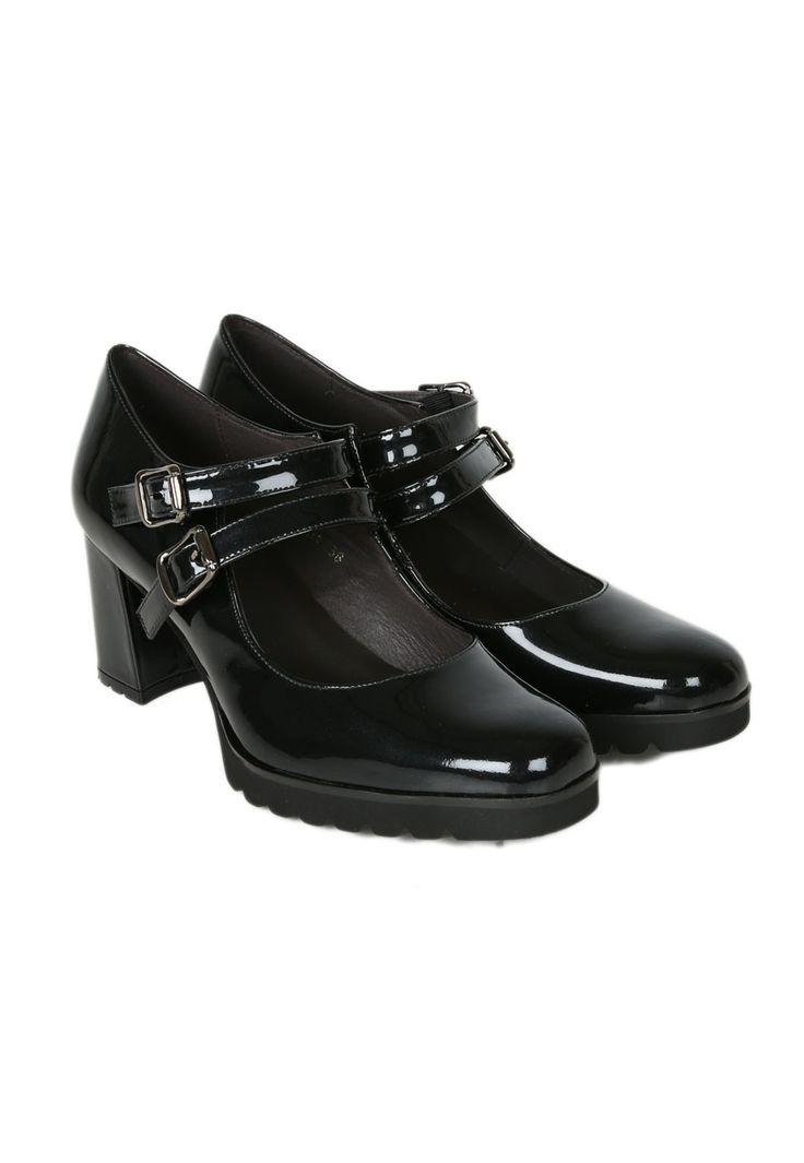 Zapatos Mary Jane de tacón marca Gadea | Material exterior: Piel Charol | Forrado interior: Piel | Plantilla: Piel | Suela: Goma | Altura: 6,5 cm de tacón | Hecho en España.