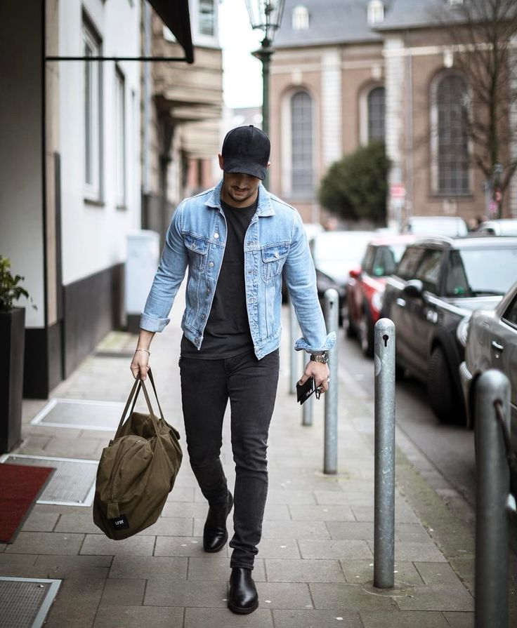 "10.3k Likes, 165 Comments - Sandro (@sandro) on Instagram: ""Hello Hamburg ✌ –––––––––– #TMM #sandro #shopping"""